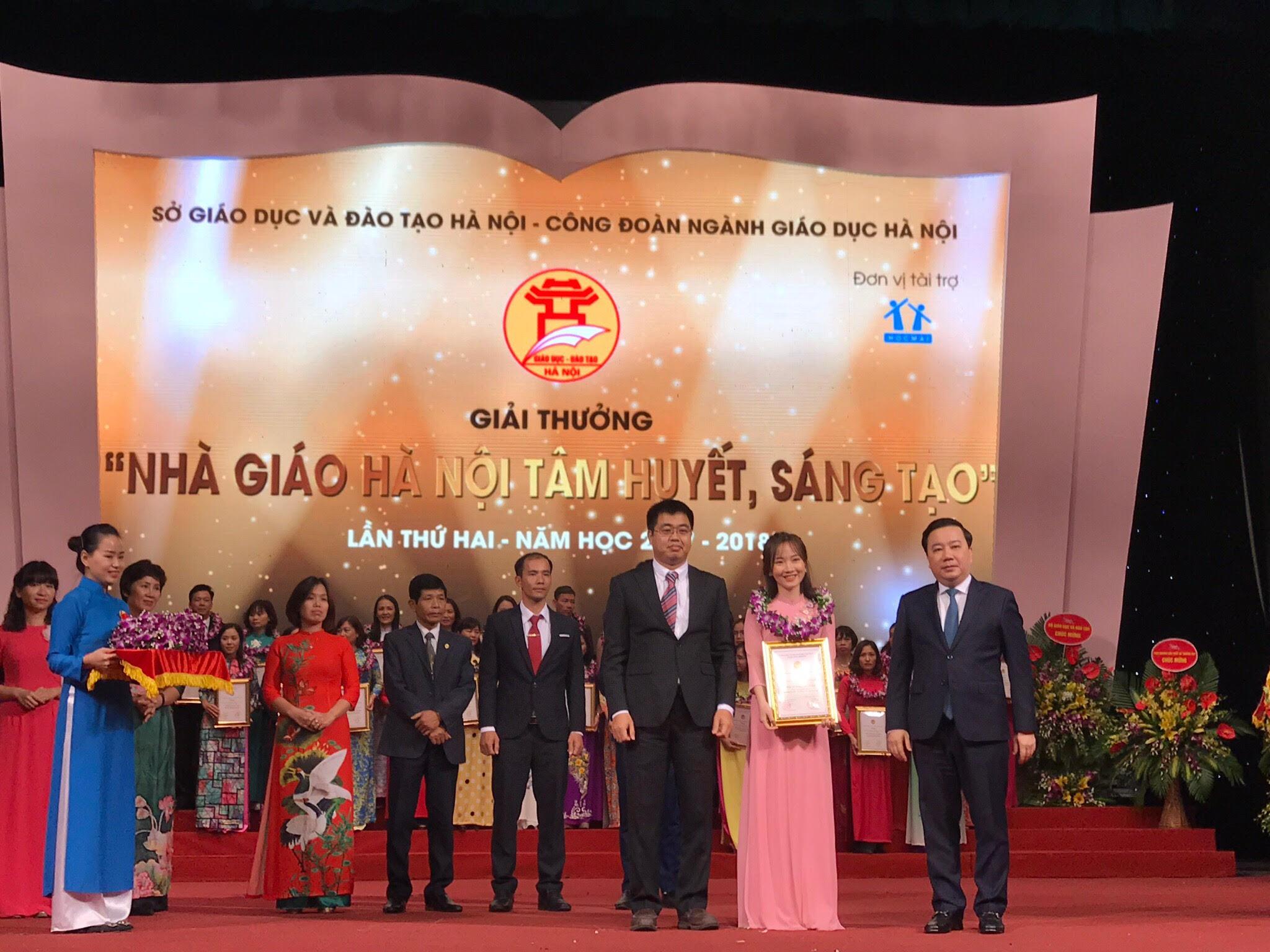 Cô giáo Dương Trang nhận giải Nhà giáo Hà Nội tâm huyết sáng tạo